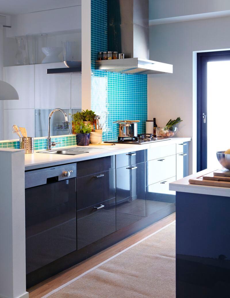 Глянцевые кухонные гарнитуры