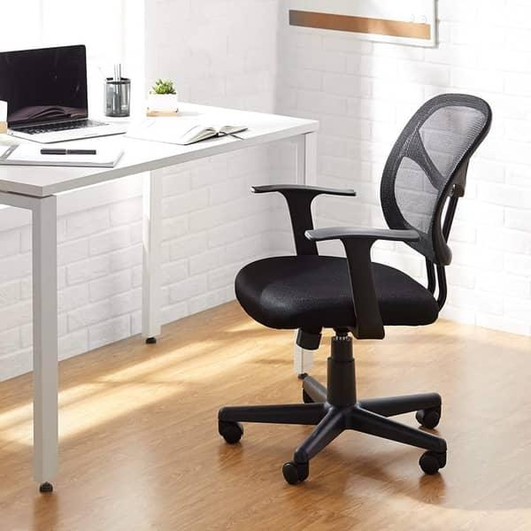 Хорошее кресло позволит работать долгое время без дискомфорта в спине