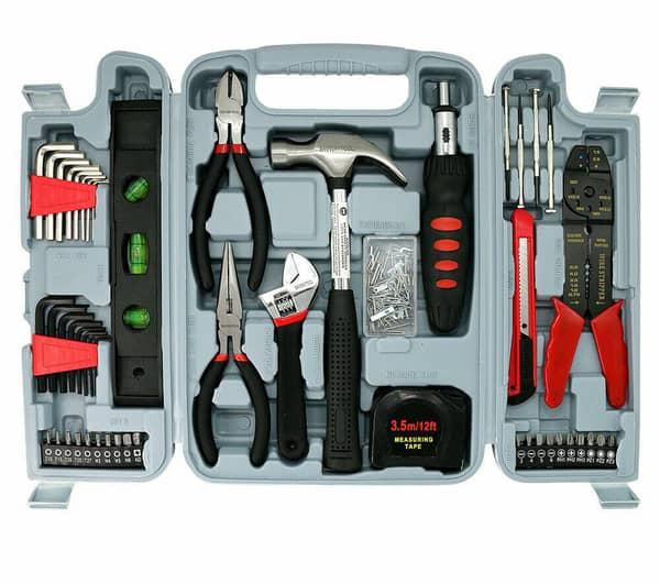 Наборы инструментов часто включают в себя необходимый минимум
